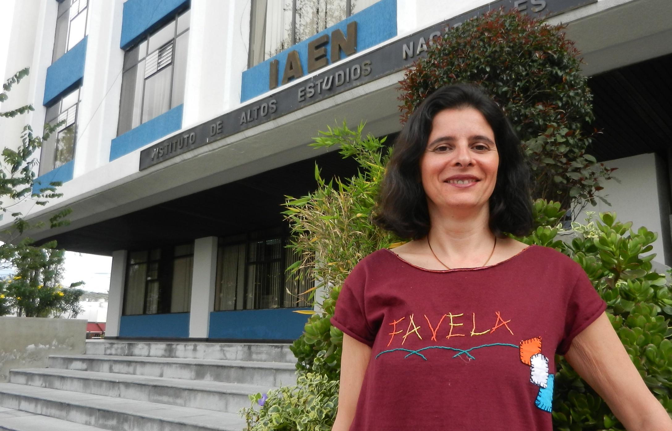 """<!--:es-->Janice Figueiredo entrevista: """"Ecuador es el primer país en acoger la idea de transformar los conceptos del procomún en políticas públicas""""<!--:--><!--:en-->Janice Figueiredo interview: """"Ecuador is the first country ever to embrace the idea of turning the concepts of the Commons into public policies""""<!--:-->"""